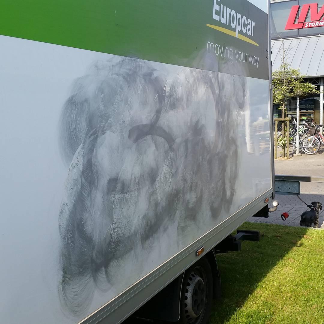 Frste lag er pfre i projekt grafitti fjernelse